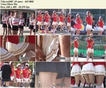 Cheerleaders Candid to2487_01