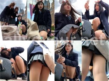 tapioika 夢の国@あざと可愛い、アイドル系JKのお城前座りスト白P。